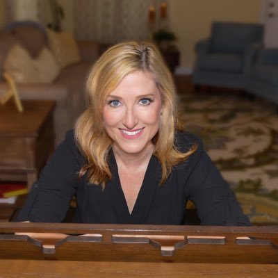 Karen Mangia